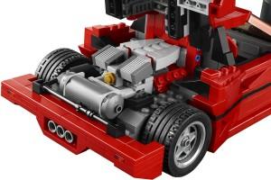 Motor, motor på bilen där, säg vem som snabbast i världen är...
