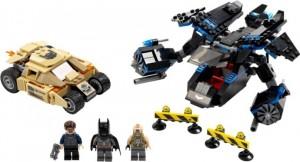 Tre figurer och två fordon!