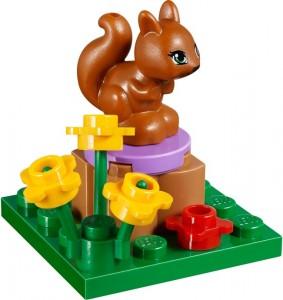 Titta Pluto, vi har ekorrar i vårt Legoset...