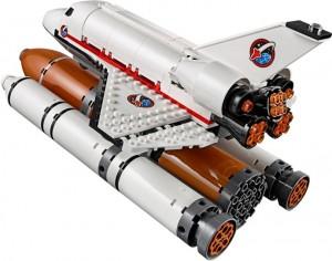 Den färdiga färjan i tuff pose lånad från LEGO:s hemsida