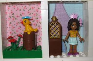 Alla tjejer är prinsessor, även Andrea. Den gula fågeln har hittat en stubbe att sitta på.