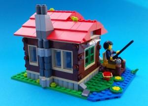 Huvudpersonen fiskar från verandan