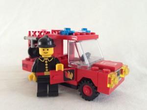 I verkliga livet blev Magnus brandingenjör, i Lego City körde han brandbil redan trettio år tidigare