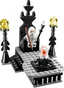 Isengards onde herre ståtar på Orthancs tron...